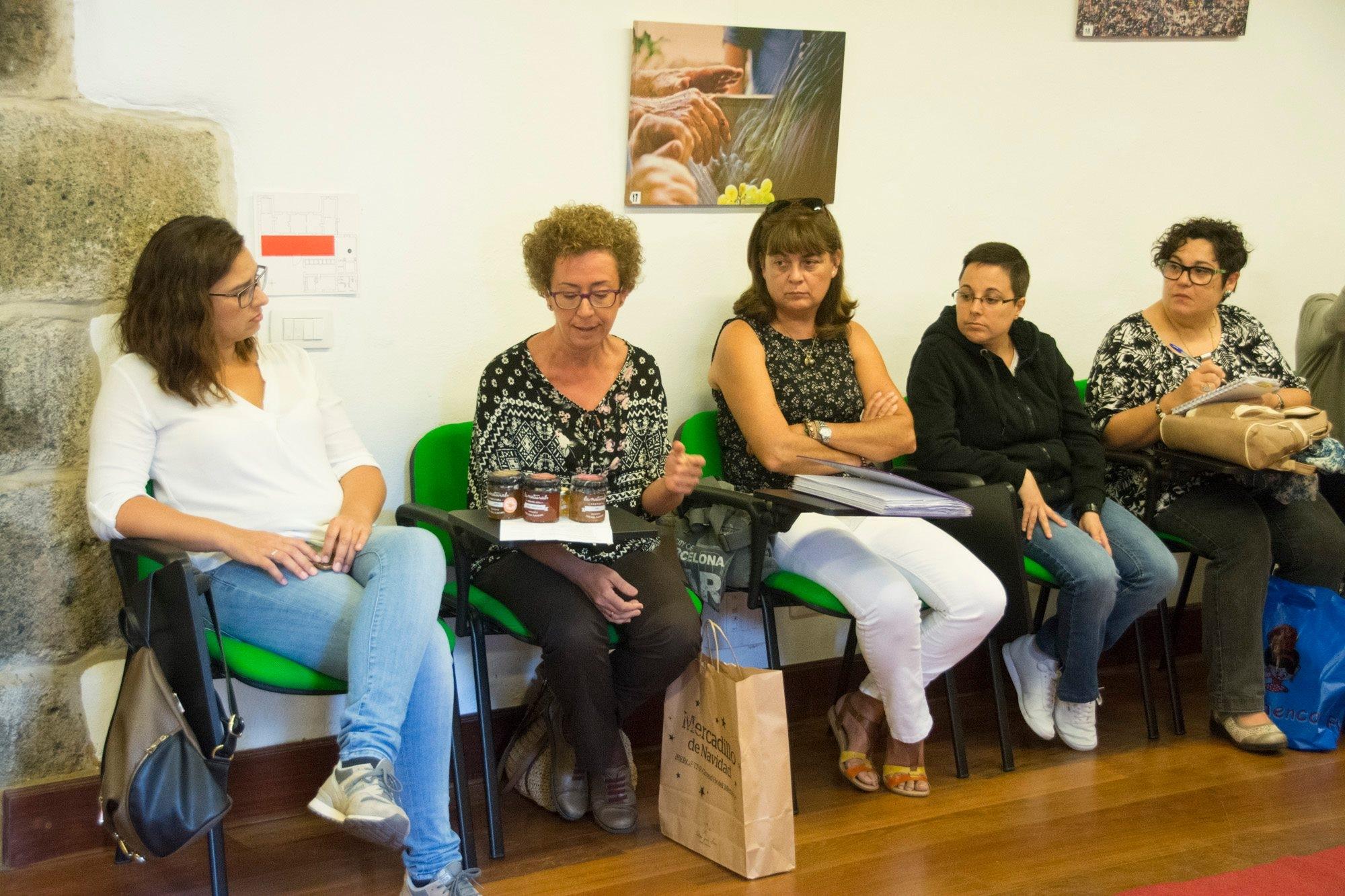 Las mujeres del Mercadillo de Tegueste